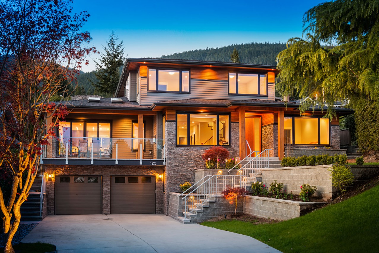 Braemar, Modern North Vancouver Home