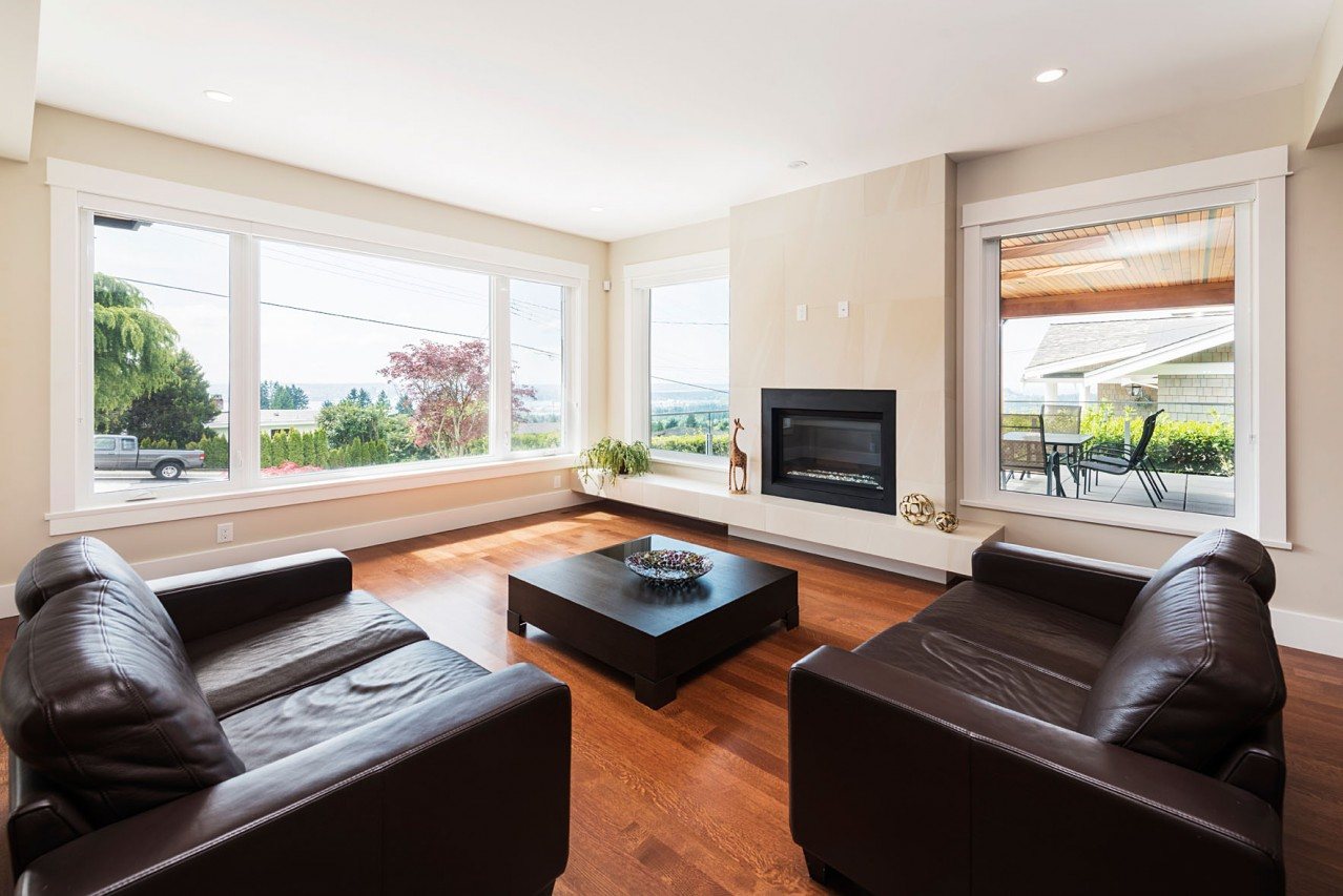 Upper Lonsdale Custom Home North Vancouver Den