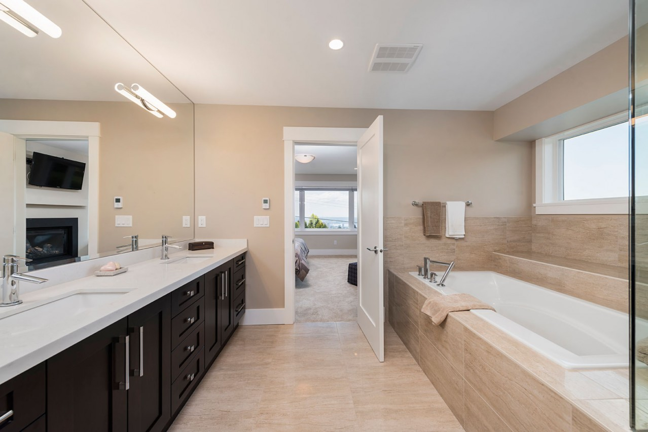 Upper Lonsdale Custom Home North Vancouver Master Ensuite Bathroom