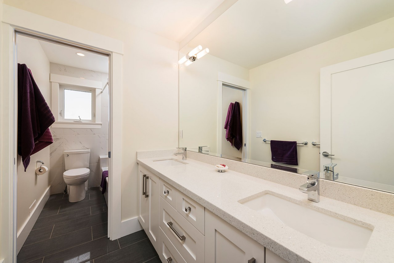 Upper Lonsdale Custom Home North Vancouver Bathroom