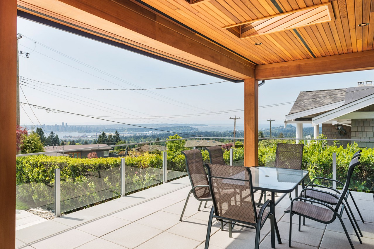 Upper Lonsdale Custom Home North Vancouver Deck